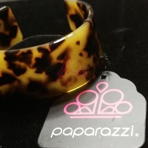 Paparazzi bracelet (cuff)